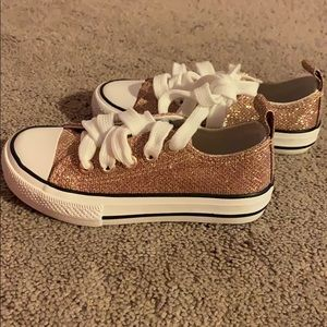 Gold sparkle tennis shoes